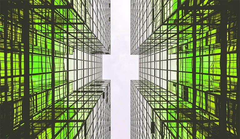zielone budynki - obrazek stockowy